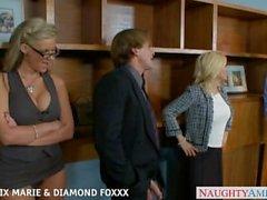 Blondes Phoenix Marie und Diamant Foxxx Fick in Vierer