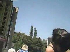 Voyeur Spycam Atrai Muita Upskirts Em Locais Públicos
