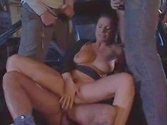 Classico Italiano - moglie calda gangbanged sulla strada