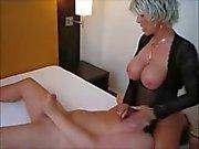 Esposa caliente sienta en su facial