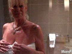 Busty blondi puuma suihku vittu