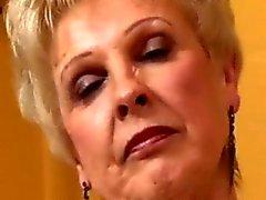 Mamie chaude puma Sucez baise Femmes fontaines