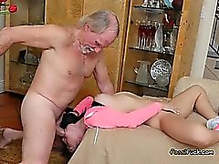 Teen Kristall Rae Lets Old Guy Fick ihre Löcher Hart