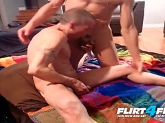 Броды и Бобби Уэст на Flirt4Free - Шпильки Bareback и Take Turns Blowing