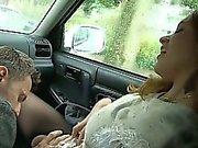 Suzie gefickt zu in zerrissenen Pantyhose