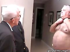Два закадычных парней и серебра папа