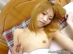 Japanisch Schülerin bekommt ihre enge Kätzchen part2