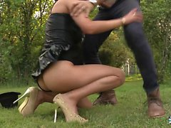 LA COCHONNE - Amateur French video with Romanian brunette