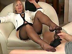 D'âge mûr en noir pantyhose Branlette avec pieds