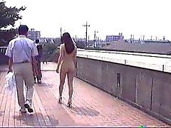 Japanse Naakt Meisje Lopen in het openbaar door snahbrandy