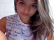 Novinha di 18 anos arreganhando Buceta