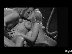 Эротическая лесбийское действие в Шилы , Софи , а Сиена