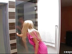 ¡Fuera de mi la ducha !