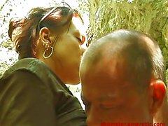 Счастливый вуайерист трахается сексуальная девушка открытом воздухе - Оценка 1 из 2