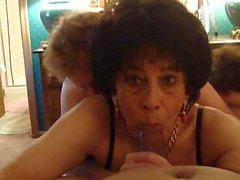 Crossdresser Bobbi Carol fica no Espeto