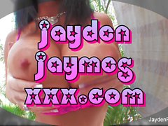 Busty Brünette Jayden Jaymes Spielzeug ihre nasse Muschi
