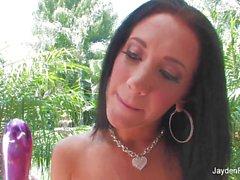 Фотографий грудастая брюнетка Джейден Джеймс игрушка нее влажной киской