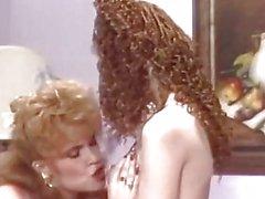 Лесбиянка удовольствием стиле ретро дамами