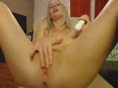 Hot Super Horny Blonde Masturbating on Webcam - tenmillioncams