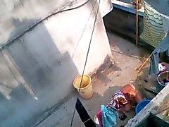 Bengali momentissa kylpyamme
