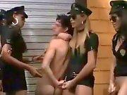 TS oficiais da polícia porra garanhão quente