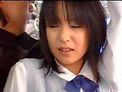 Schoolmeisje geneukt in de bus - Japonaise prijzengeld dans le bus
