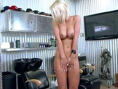 Glatze Muschi blondes Lexi Swallow mit großen Meise und lange Beine