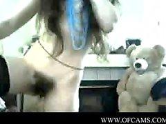 Брюнет вебкамера на раздавливание рыжевато Грейси центры