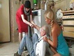 Morfar vill smaka några trevliga ...