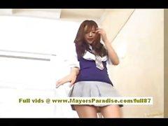Okul üniformalı Miyu Hoshino Çinli kız ıslak kedi losyonları
