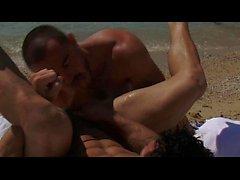 Jessy Ares Top Ass von Mitchell Rock am Strand