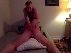 Master erteilt seinem Muscle -Slave Ein Leiter Lektion