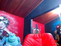 Amateur Hotass01 blinkt Titten auf Live-Webcam
