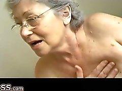 Granny masturbate hairy pussy use dildo