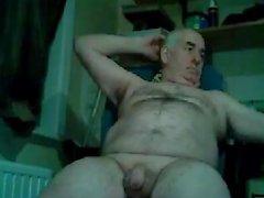 дедушка играть на вебкамеру