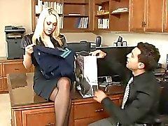 Kagney Linn Karter : Blond Sekretariat in HD!