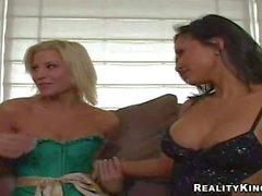 Sammie Rhodes gets Lesbian orgy started