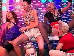 18 de Eurobabe Lesbo da Piss do partido