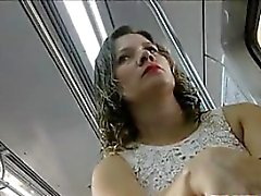 Upskirt Среди бразильского Чиком в общественных