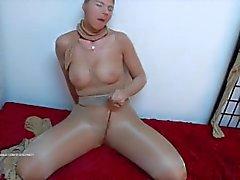 Lustful Strumpfhosen gekleidet Masturbation