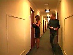 casal francês em um hotel