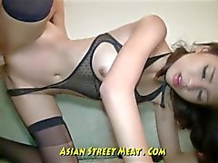 Unvergängliche Brown Eyed Asian Anal