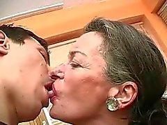 Kiss Ich der Großmutter