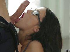 EroticaX Megan Yağmur Cum patronu yaladı