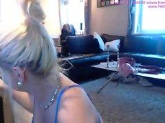 tetas grandes adolescente masturbándose en la webcam