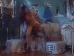 Kaylani леев получает ее пизду горячим азиатским вытянутую