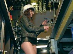 Jeny Fabbro barista nudi di servizio