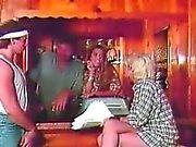 Vidéos vintage de Grâce à Swingers Seins