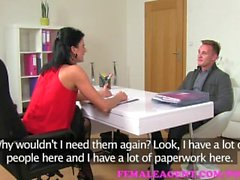 FemaleAgent . Hinauskoneikot etsii seksuaalisesta korvausta MILF