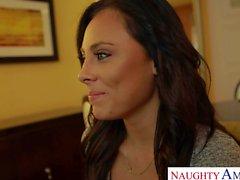 Attraktive Pornostar Babe Gianna Nicole reitet Hahn Reverse Cowgirlart